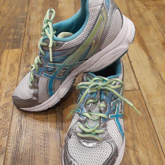 ❤️ Asics 9.5 Gel Tennis Shoes ❤️